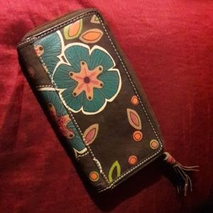 Fossil Bags - EUC Fossil Leather Wallet